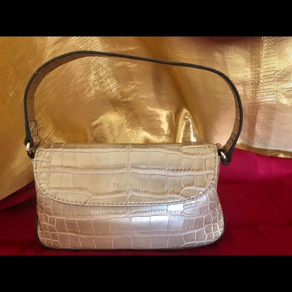 Tommy Hilfiger Handbags - Tommy Hilfiger mini bag gold